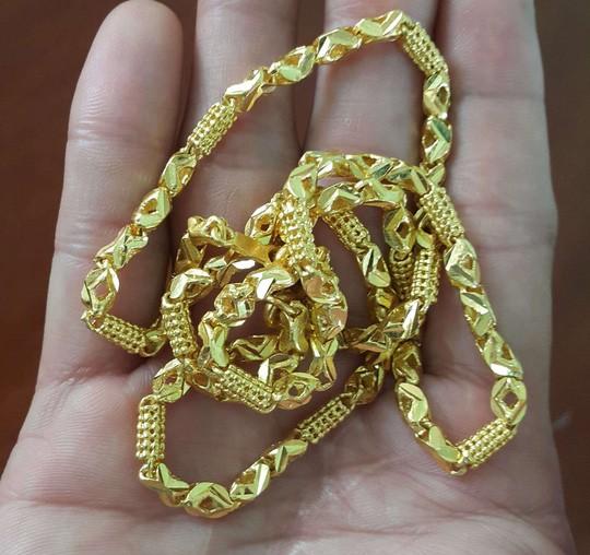 Khởi tố đối tượng cướp tiệm vàng ở Đắk Lắk - Ảnh 2.