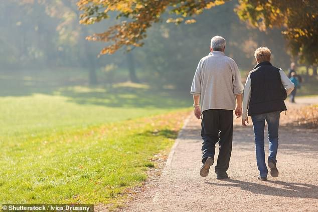 Khoa học chứng minh một thói quen đơn giản, ai cũng có thể thực hiện hàng ngày góp phần giảm 50% nguy cơ đột quỵ nghiêm trọng - Ảnh 1.
