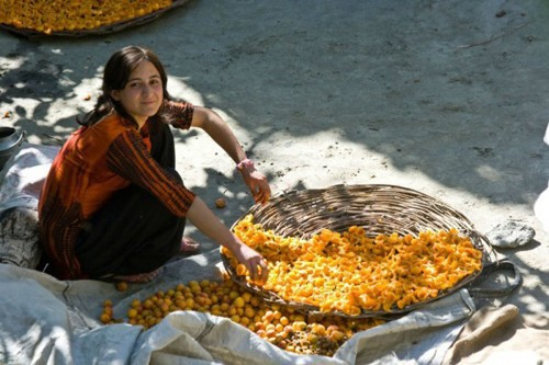 Bộ lạc Hunza: Vùng đất nổi tiếng với những người phụ nữ xinh đẹp nhất hành tinh - Ảnh 1.