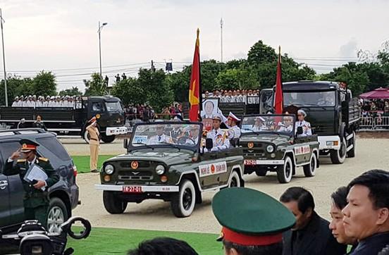 Chủ tịch nước Trần Đại Quang trở về đất mẹ - Ảnh 30.