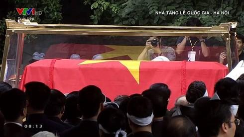 Trực tiếp: Đưa linh cữu Chủ tịch nước Trần Đại Quang về quê nhà - Ảnh 20.