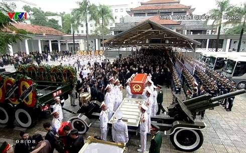 Trực tiếp: Đưa linh cữu Chủ tịch nước Trần Đại Quang về quê nhà - Ảnh 22.