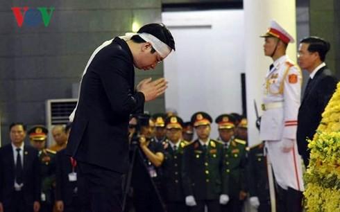 Trực tiếp: Đưa linh cữu Chủ tịch nước Trần Đại Quang về quê nhà - Ảnh 33.