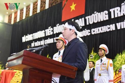 Trực tiếp: Đưa linh cữu Chủ tịch nước Trần Đại Quang về quê nhà - Ảnh 34.