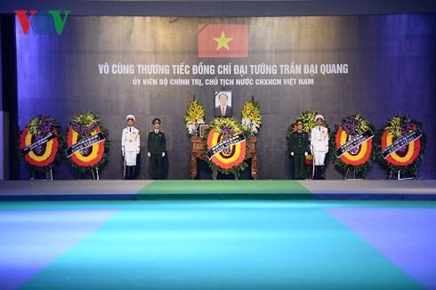 Trực tiếp: Đưa linh cữu Chủ tịch nước Trần Đại Quang về quê nhà - Ảnh 41.