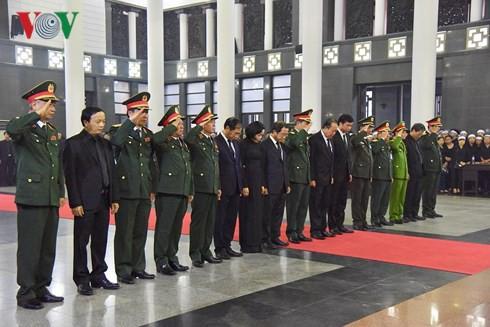 Trực tiếp: Đưa linh cữu Chủ tịch nước Trần Đại Quang về quê nhà - Ảnh 46.