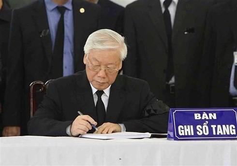 Trực tiếp: Đưa linh cữu Chủ tịch nước Trần Đại Quang về quê nhà - Ảnh 50.