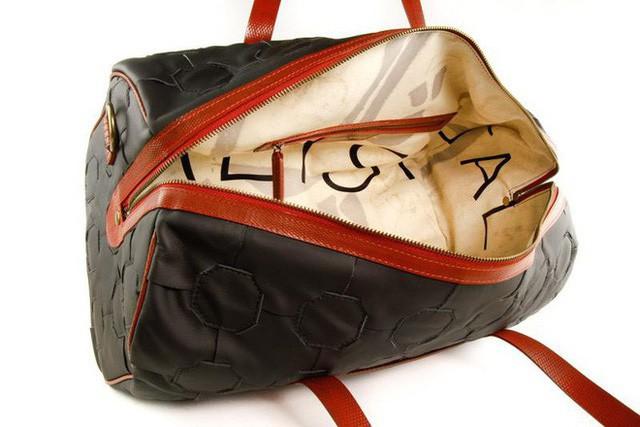 Không còn bị đốt bỏ, hàng tồn của Burberry được tái chế thành sản phẩm thời trang vì môi trường theo cách rất đặc biệt - Ảnh 6.