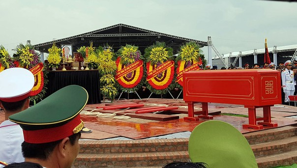 Chủ tịch nước Trần Đại Quang trở về đất mẹ - Ảnh 22.