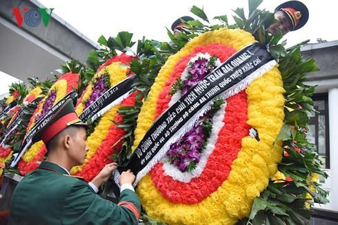 Trực tiếp: Đưa linh cữu Chủ tịch nước Trần Đại Quang về quê nhà - Ảnh 56.