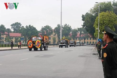 Trực tiếp: Đưa linh cữu Chủ tịch nước Trần Đại Quang về quê nhà - Ảnh 9.