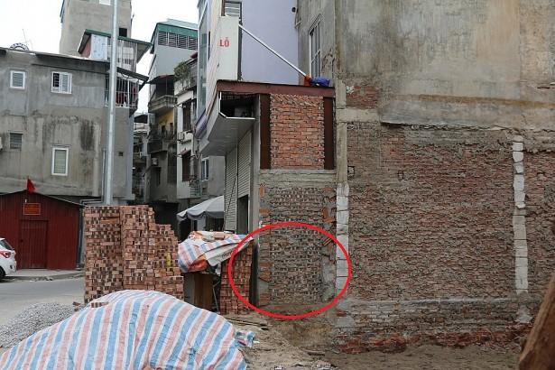 Những bức tường siêu mỏng đắt hơn vàng ở Hà Nội khiến thế giới cũng phải chào thua - Ảnh 3.