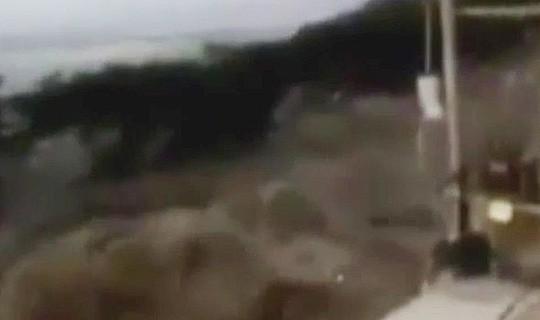 Động đất mạnh, sóng thần ập vào Indonesia - Ảnh 4.