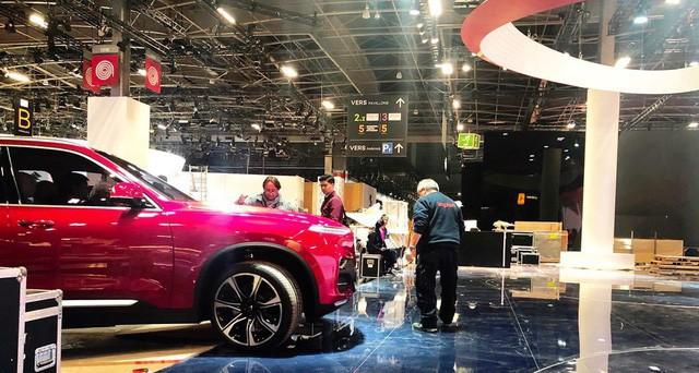 Những hình ảnh thực tế đầu tiên về 2 mẫu xe VinFast tại Paris Motor Show - Ảnh 8.