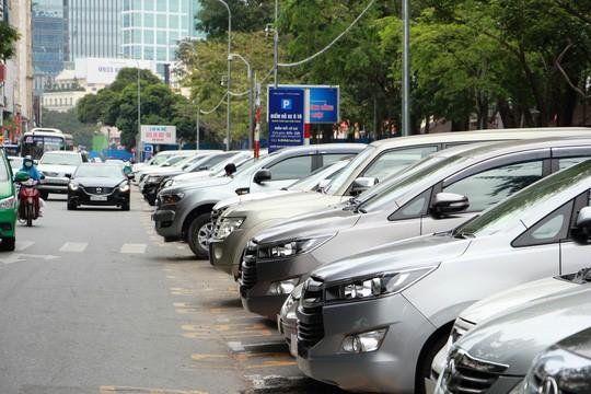 TP HCM tăng phí giữ xe, xe máy và ô tô tính tiền theo giờ - Ảnh 1.