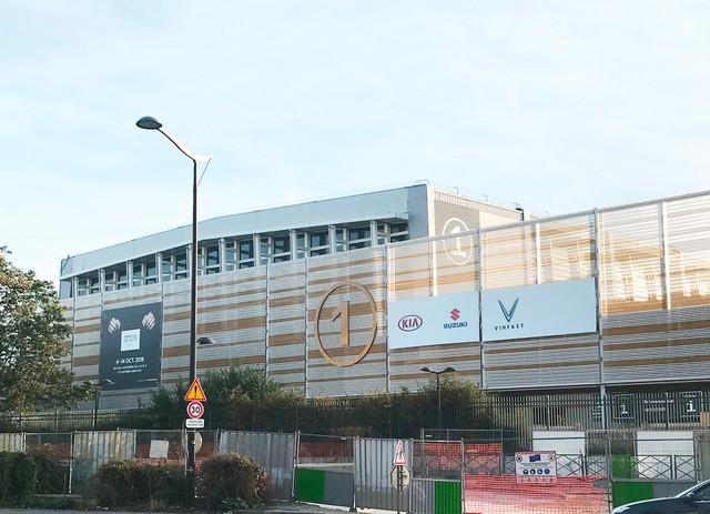 Những hình ảnh thực tế đầu tiên về 2 mẫu xe VinFast tại Paris Motor Show - Ảnh 10.