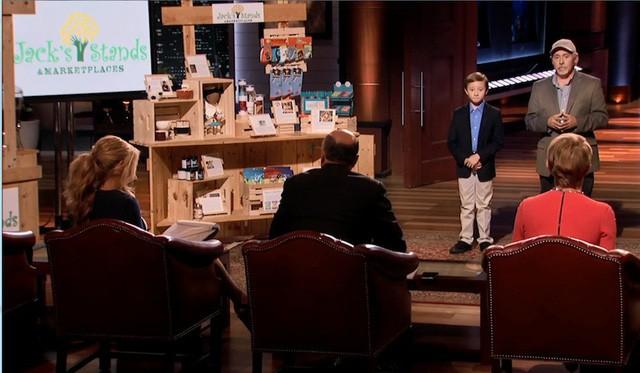 Chân dung cậu bé 10 tuổi lên Shark Tank gọi được 50.000 USD cho startup bán nước chanh với tham vọng sớm lọt top Forbes Under 30 - Ảnh 2.