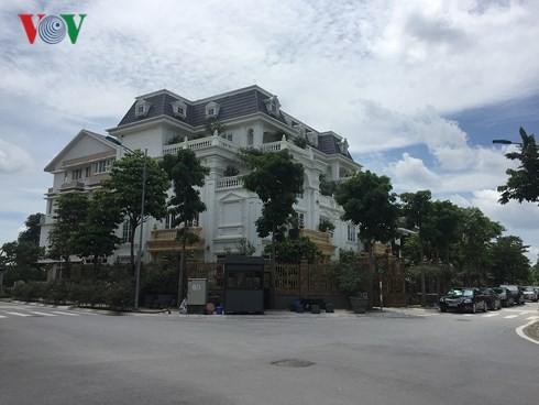 """Biệt thự """"khủng"""" phá vỡ quy hoạch những khu thành thị mới ở Hà Nội - Ảnh 3."""