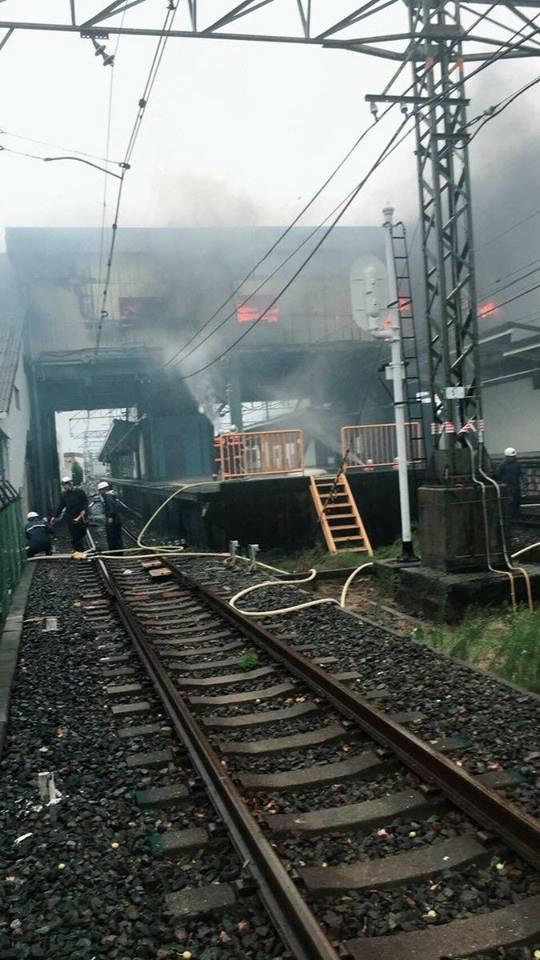 Siêu bão mạnh nhất ¼ thế kỷ đổ bộ, Nhật Bản bị tàn phá như trải qua thảm họa kép động đất, sóng thần năm 2011 - Ảnh 9.