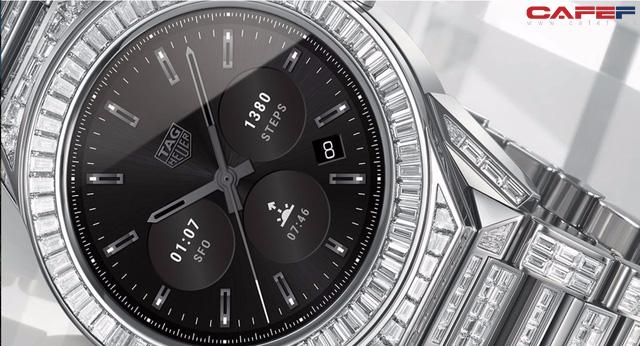 Gần 600 viên kim cương bao phủ chiếc đồng hồ thông minh đắt nhất thế giới: Đẹp tinh tế, vượt mặt cả con cưng của Louis Vuitton - Ảnh 1.