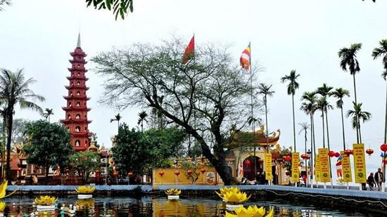 Điểm danh những địa điểm thú vị nhất định phải đến trong ngày Tết ở thủ đô Hà Nội - Ảnh 4.