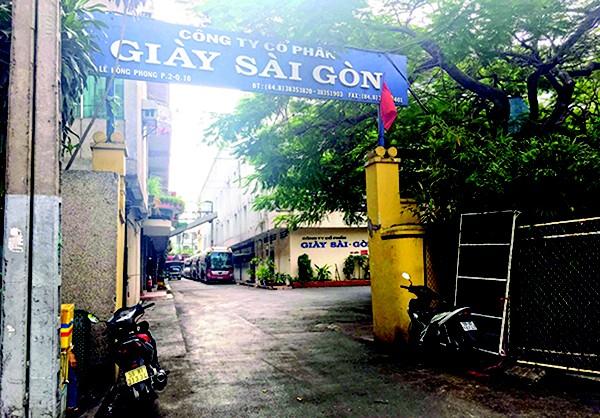 Việc CPH Cty Giày Sài Gòn đã dấy lên dư luận xung quanh việc thất thoát đất vàng sau CPH.
