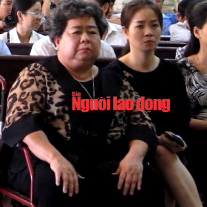 Bà Hứa Thị Phấn tham gia với tư cách người có quyền lợi và nghĩa vụ liên quan