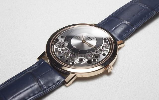 Piaget tiết lộ chiếc đồng hồ tự động mỏng nhất thế giới, thậm chí dày chưa tới 0.5cm - Ảnh 1.