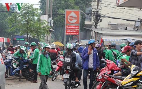 Grab Việt Nam sẽ đối thoại với tài xế về mức chiết khấu - Ảnh 1.