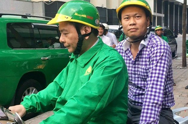 Đừng ngạc nhiên khi thấy CEO Mai Linh chạy xe ôm, không thiếu CEO công nghệ từ lâu nay đã sáng chạy xe ôm, tối làm giúp việc... - Ảnh 2.