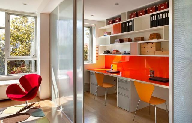 Cửa trượt còn giúp phân chia không gian trong nhà một cách hiệu quả.