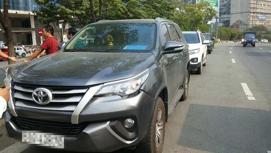 Hàng trăm xe ô tô bị kẹt ở hầm vượt sông Sài Gòn - Ảnh 3.