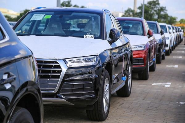 Nhập khẩu gặp khó, thị trường ô tô đầu năm có khan hiếm? - Ảnh 2.