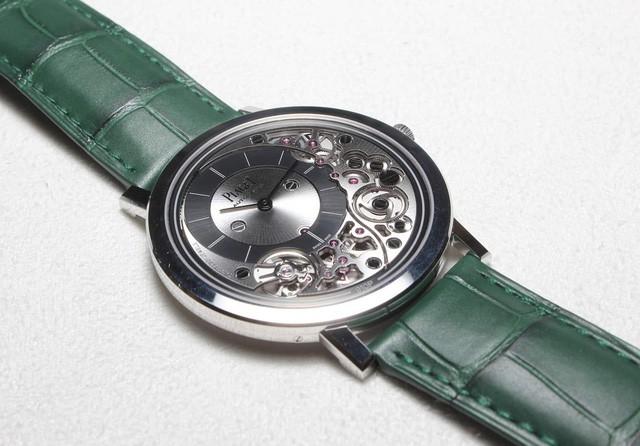 Piaget tiết lộ chiếc đồng hồ tự động mỏng nhất thế giới, thậm chí dày chưa tới 0.5cm - Ảnh 3.
