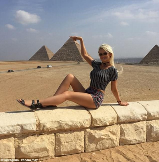 Cuộc sống trong mơ của những nữ tiếp viên hàng không: Xinh đẹp, giàu có lại được đi du lịch khắp nơi trên thế giới - Ảnh 4.