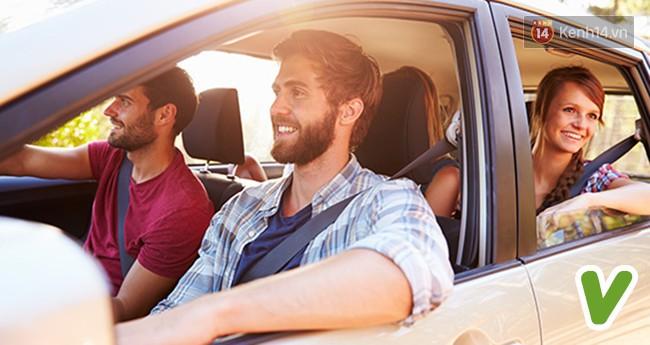 7 phép lịch sự khi ngồi trên ô tô mà bất kỳ ai cũng nên biết một chút - Ảnh 5.