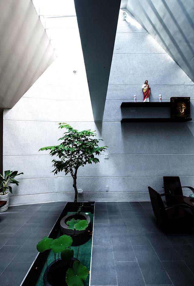 Ngôi nhà này được đánh giá không chỉ đơn thuần là nơi để ở mà còn là không gian đặc biệt giúp con người tìm được không gian thư giãn lý tưởng, nơi trút bỏ mọi âu lo, sợ hãi của cuộc sống đời thường.
