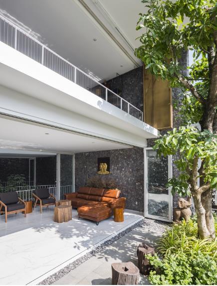 Nhà phố ở Nha Trang gây sốt với thiết kế xanh mướt nhờ những miệt vườn nhỏ - Ảnh 6.