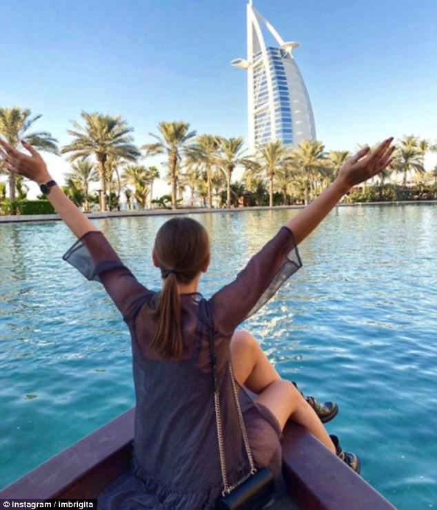 Cuộc sống trong mơ của những nữ tiếp viên hàng không: Xinh đẹp, giàu có lại được đi du lịch khắp nơi trên thế giới - Ảnh 6.