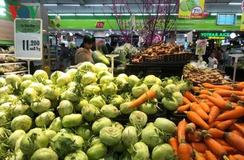 Rét đậm rét hại, giá rau xanh ở Hà Nội tăng từng ngày - Ảnh 1.