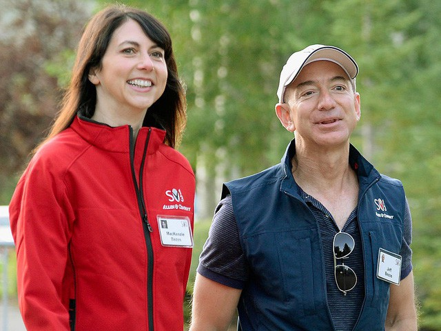 Sự nghiệp đáng kinh ngạc của người phụ nữ vừa ly hôn tỷ phú giàu bậc nhất thế giới: Đã tới lúc bóng hình đứng sau Jeff Bezos trở về với ước mơ của riêng mình? - Ảnh 2.
