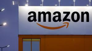 Cách Jeff Bezos tạo ra đế chế Amazon chi phối thị trường sách 5 tỷ USD: Đối xử với đối tác như báo săn mồi, tạo luật rừng ép chết các công ty nhỏ - Ảnh 1.
