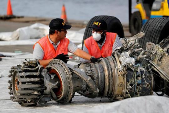 Tìm thấy hộp đen máy bay Indonesia lao xuống biển hồi tháng 10-2018 - Ảnh 1.