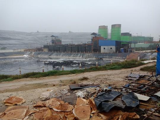 Người dân chặn xe chở rác: 12 quận Hà Nội ảnh hưởng, khó cầm cự tiếp - Ảnh 9.