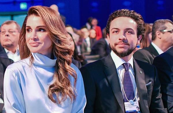 Hoàng hậu Jordan U50 trẻ đẹp như 18 và cách nịnh chồng bài bản để có cuộc hôn nhân bền vững hơn 2 thập kỷ - Ảnh 4.