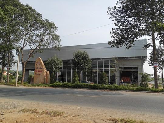 Đình chỉ công trình xây dựng có bảng ghi Khu dân cư Alibaba Tân Thành - Ảnh 2.