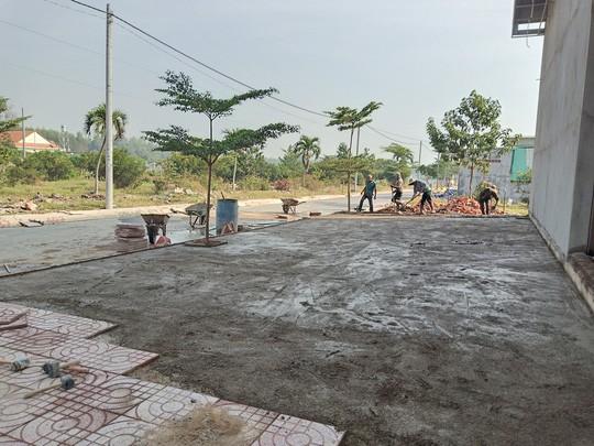 Đình chỉ công trình xây dựng có bảng ghi Khu dân cư Alibaba Tân Thành - Ảnh 3.