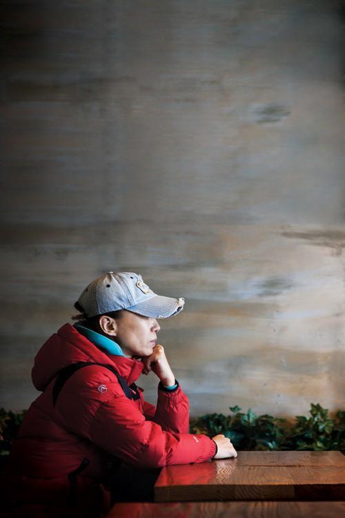 """Câu chuyện """"mắc kẹt ở Paris"""" của bà mẹ Hàn: Ngồi tù oan vì tin tưởng tội phạm ma túy, sang chấn tâm lý đến không thể nuôi con - Ảnh 8."""
