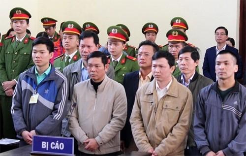 VKSND thành phố Hoà Bình cáo buộc Hoàng Công Lương có hành vi nguy hiểm làm chết 8 người - Ảnh 3.