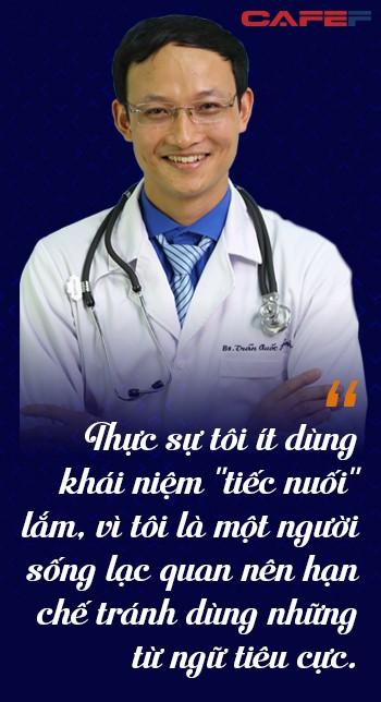 Bác sĩ nghìn like bệnh viện Việt Đức: Tết chỉ mong điều này để không phải nhìn người thân của bệnh nhân ôm nhau khóc ngày đầu năm - Ảnh 7.